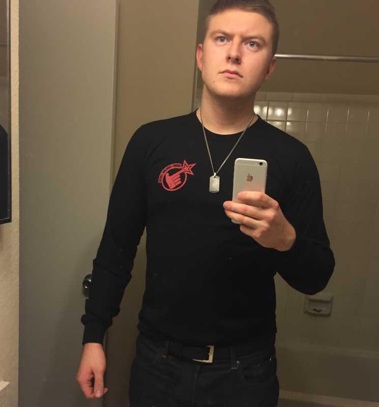 Good looking loser online dating